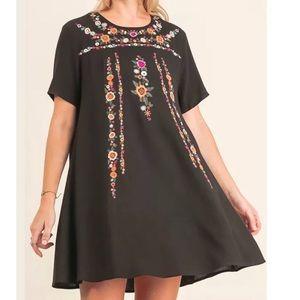 Dresses & Skirts - Black Tee Dress Floral Embroidery Details Large